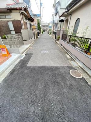 【前面道路含む現地写真】八尾市中田5丁目 新築戸建