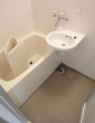 【浴室】キーウエスト三軒茶屋 礼金0 バストイレ別 ルーフバルコニー