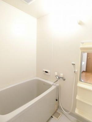 【浴室】ガーデンハウスB
