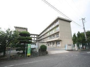 長浜小学校まで1400m