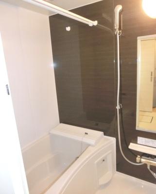 【浴室】AKS三宿フラッツ オートロック 宅配BOX 独立洗面台