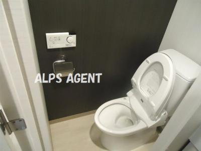 清潔感のあるトイレです。同一仕様。