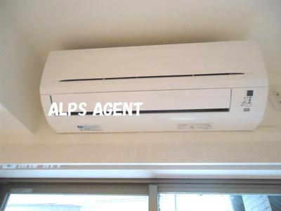 必須設備のエアコンもついています。同一仕様。