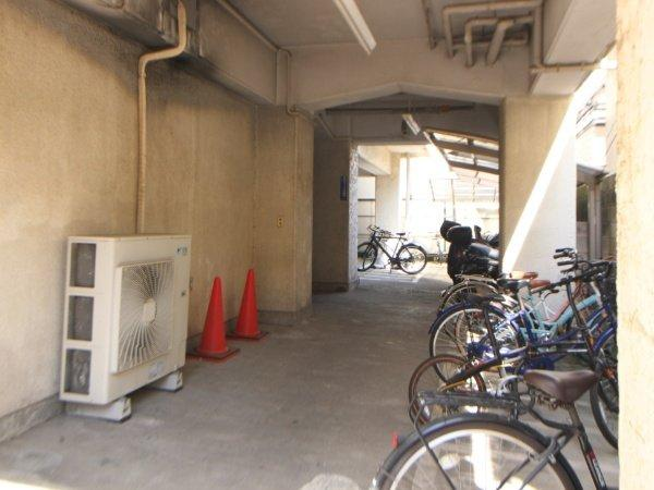 【駐輪場】メトロ新高円寺マンション