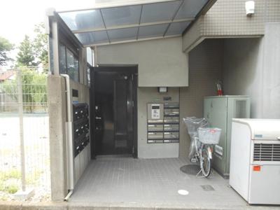 【エントランス】エコーバレー オートロック付 バストイレ別 室内洗濯機
