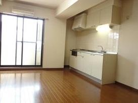【居間・リビング】エコーバレー オートロック付 バストイレ別 室内洗濯機