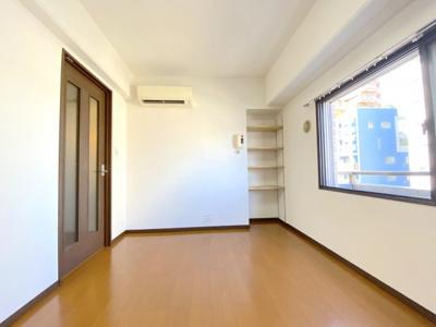 リビング窓は2重サッシになっておりますので、室内環境は快適に。
