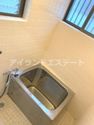 【浴室】大岸ハイツ 独立洗面台 室内洗濯機置場 バストイレ別