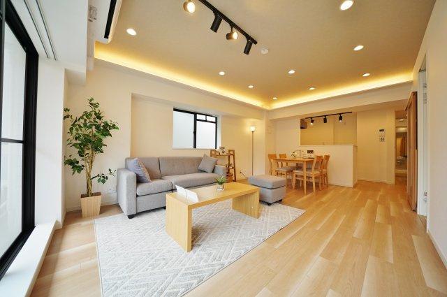 相鉄線「西横浜」駅徒歩約6分と便利な立地のマンション