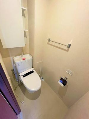 収納もついたトイレです 吉川新築ナビで検索