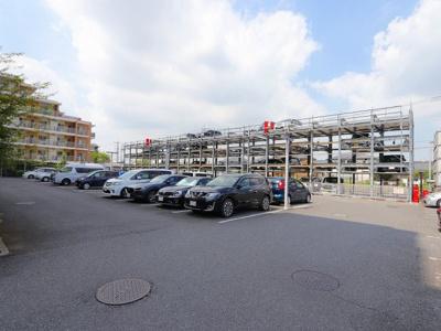 一世帯に付き駐車場は一台 吉川新築ナビで検索