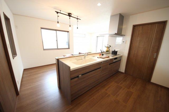 オープンキッチンで開放的なLDK