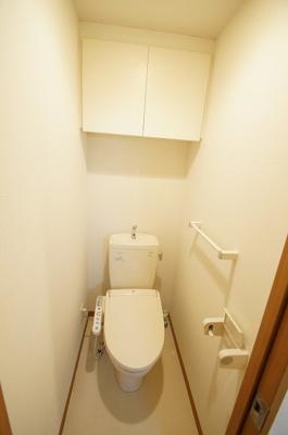 人気のバストイレ別・シャワー機能付きのトイレです