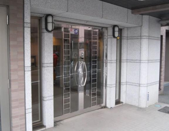 【エントランス】リブゼ横浜白楽