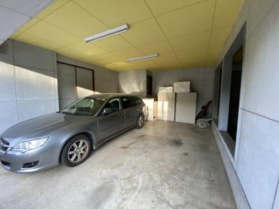 並列2台駐車可能なインナーガレージ