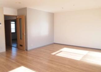 【洋室】山梨県南アルプス市飯野2棟一括売マンション+戸建