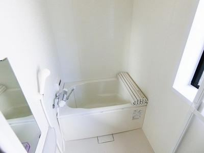 【浴室】中三国ヶ丘町貸家