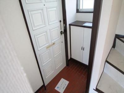 玄関・下駄箱設置されてます
