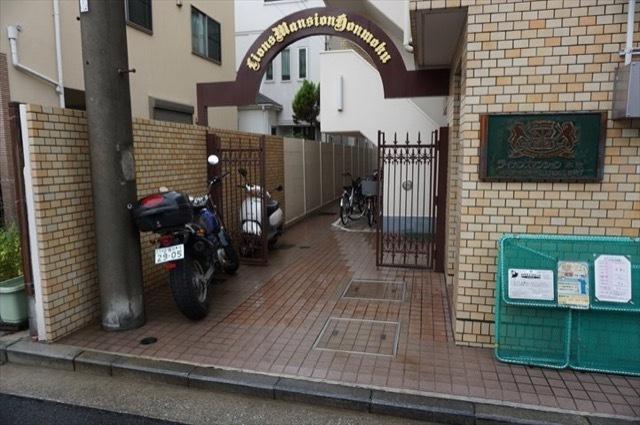 【エントランス】ライオンズマンション本牧