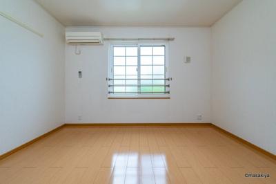ベッドルーム エアコン付きです。