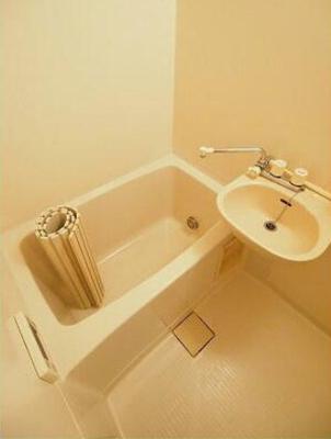 追い焚き機能、浴室乾燥機完備!