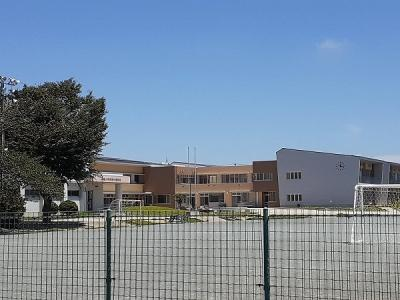 亀山市立川崎小学校まで1040m