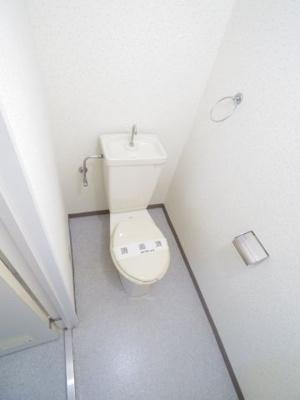 ◎参考写真 コンセント付いてますので温水洗浄便座設置できます!