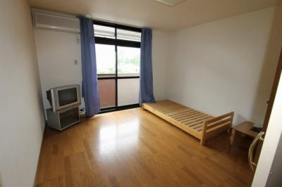使い勝手のいい寝室です