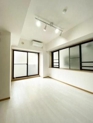 7帖のきれいな洋室。