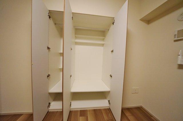 クローゼットでお部屋の空間を有効にお使いいただけます