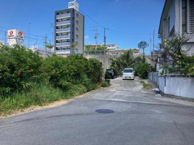 【前面道路含む現地写真】浦添市前田 土地