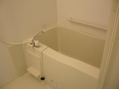 【浴室】レオネクスト松和花壇