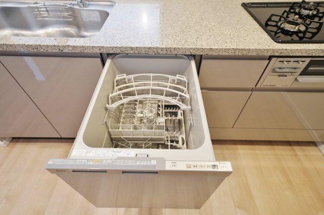 訪問者の顔を確認できるTVモニター付きインターホン。