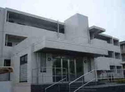 JR京浜東北・根岸線「根岸駅」徒歩9分のマンションです。