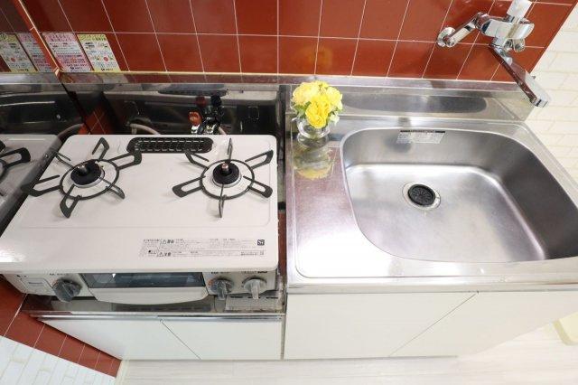 キッチンの蛇口は新たに混合水栓に取り換えました!