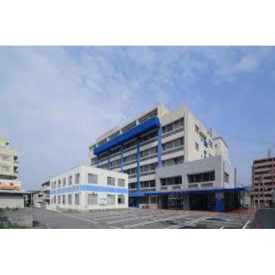 病院「奥島病院まで1085m」