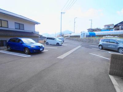 【駐車場】オンフォレストギオン