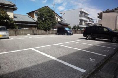 【駐車場】アバン寿
