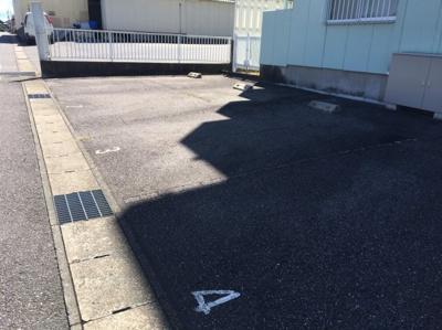 駐車スペースもあります 【COCO SMILE】