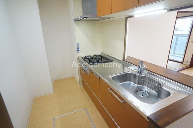 対面式カウンターキッチン♪嬉しい食洗機付き☆キッチンスぺ―スに床下収納完備です♪