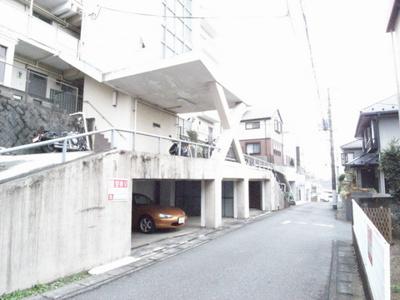 【外観】百合丘マンション駐車場
