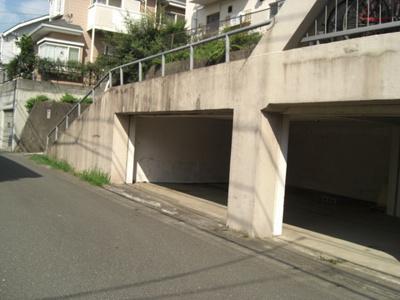 【駐車場】百合丘マンション駐車場