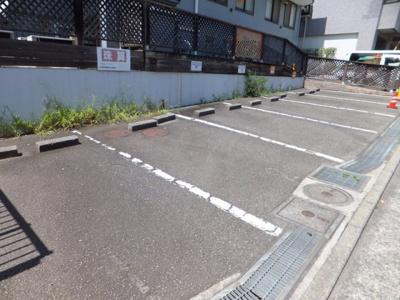 【駐車場】岡田駐車場(アルテミス敷地外駐車場)