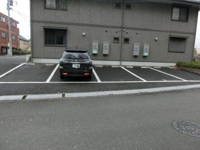 【外観】ホワイトベル駐車場