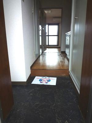 【玄関】ラパス高倉台