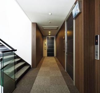 屋内共用廊下タイプ