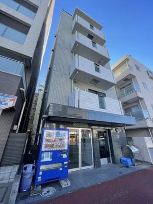 JR東海道線「川崎」駅より徒歩12分のマンションです。