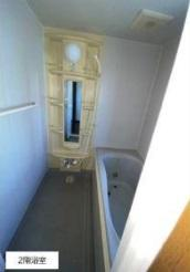 2階浴室です