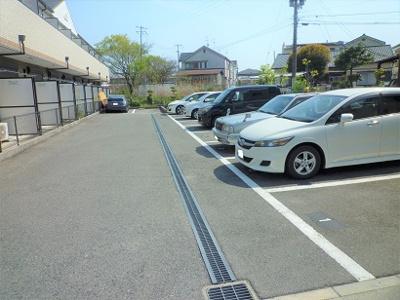 【駐車場】エトワール深井