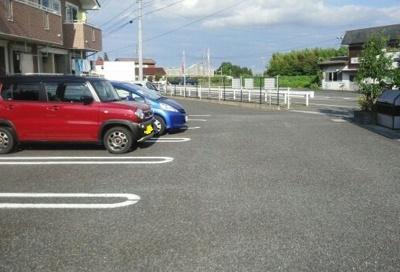 【駐車場】ハイツ虹が丘
